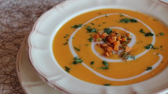 Crema de zanahorias y pistachos