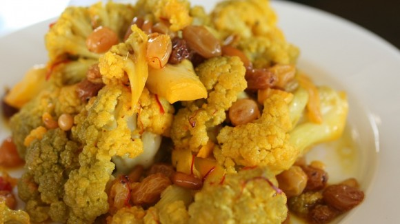 Cauliflower salad with saffron