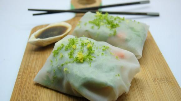 Crudités en papel de arroz con cilantro, langostinos y aliño thai