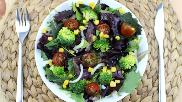 Broccoli salad with corn and cherry tomato
