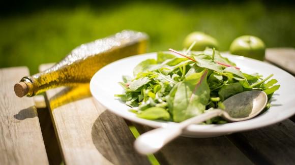 Salada de folhas do Flying Fish