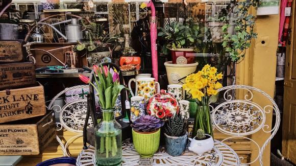 A caccia di fiori edibili al Columbia Road Flower Market di Londra