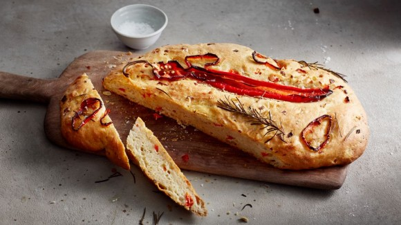 Greek bread with cinnamon and bell pepper