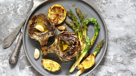 Grilled artichoke and asparagus with a lemon and garlic twist