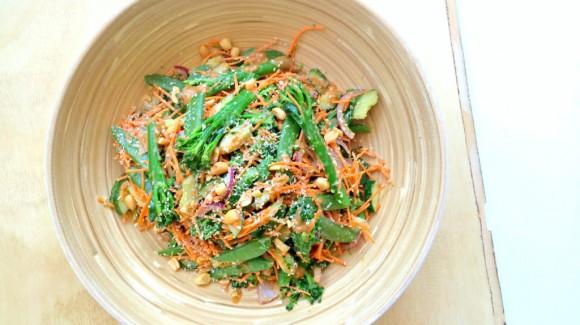 Groentesalade met aziatische dressing
