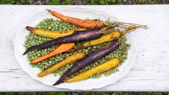 Grilled colourful carrots with steamed peas