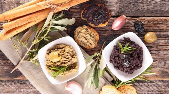 Pasta de aceitunas caseras mediterráneas