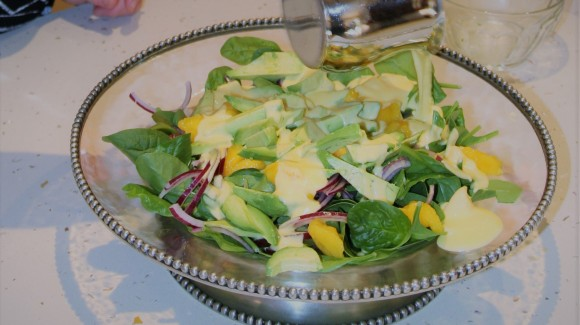 Spinach, mango & avocado salad with ginger dressing