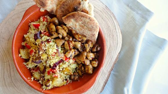 Kruidige couscous met zoete aardappel & champignons