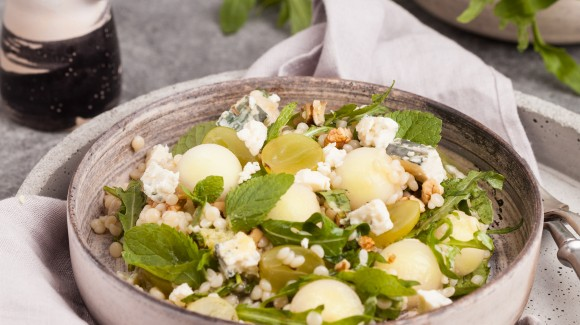 Melon salad with feta and roasted pumpkin seeds