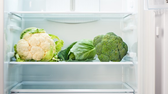 Not all varieties of vegetables should be stored in the fridge. So, which can, and which can't?