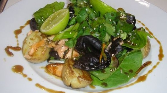Tasmanian salmon salad with a spicy honey sauce