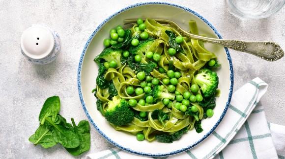 Grüne Nudeln mit Frühlingsgemüse – Pasta Primavera