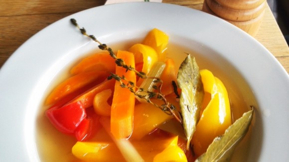 Sweet-sour pickled vegetables for salads or antipasto