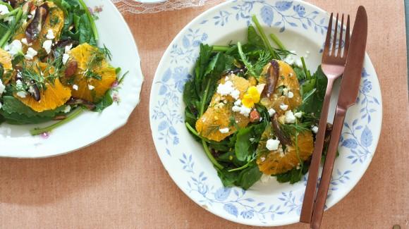 Raapstelensalade met sinaasappel, dadel en feta