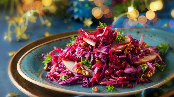 Red cabbage with apple salad