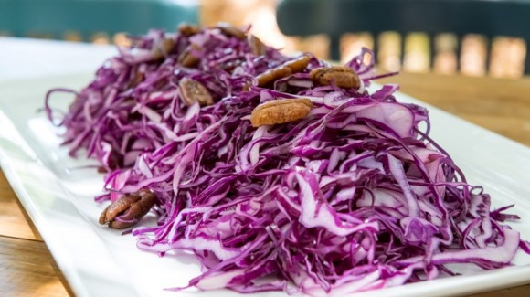 Red cabbage and cranberry salad
