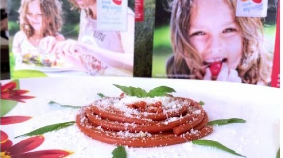 Pasta di pomodoro con basilico