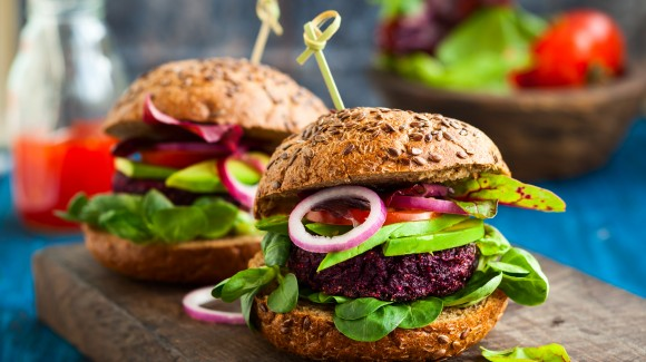 Red beet burgers