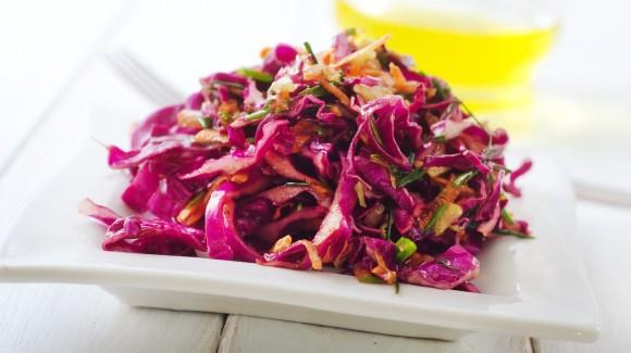 Rotkohl-Ingwer-Salat