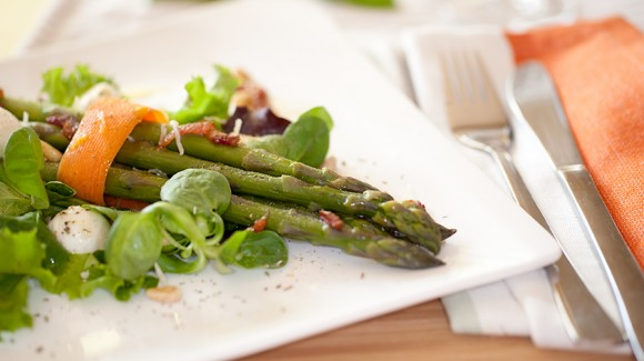 Emilie's spring garden salad with asparagus