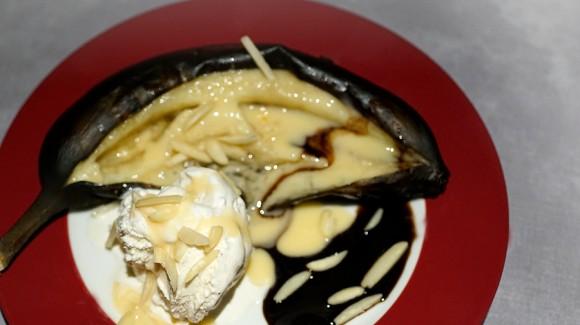 Gegrillte Bananen mit Eis