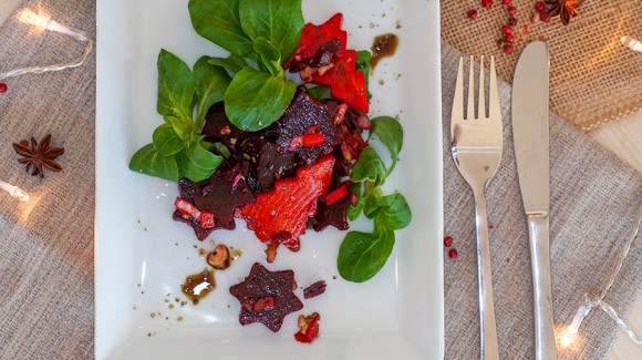 Beetroot with corn salad and carrot