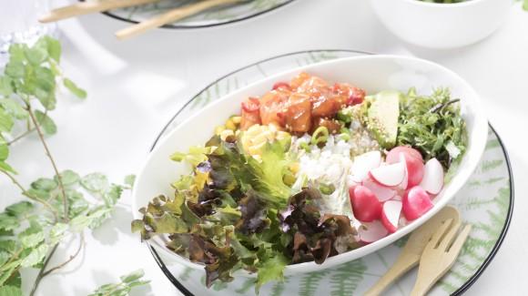 Poké bowl with salmon and avocado