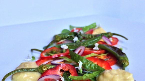 Insalata di peperoni dolci con salsa di ceci