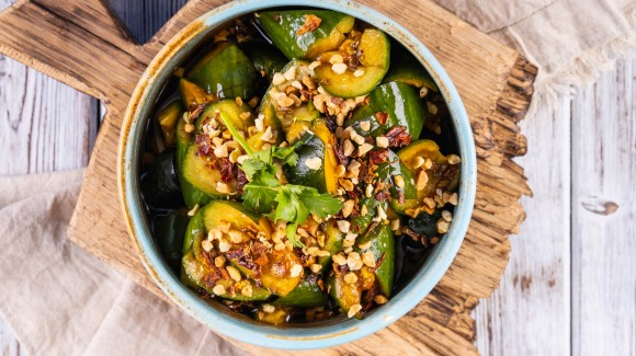South-East Asian salad with cucumber and roasted nuts