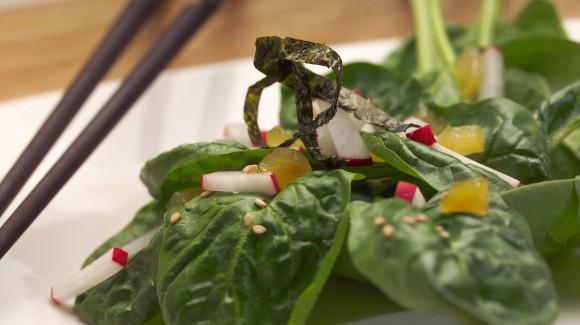 Japanse spinazie salade met sesamzaad en gember