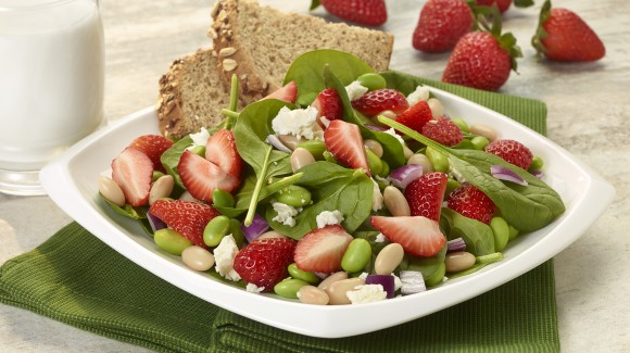 Strawberry, white bean and edamame salad