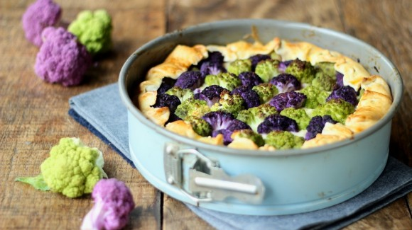 Two colour cauliflower pie