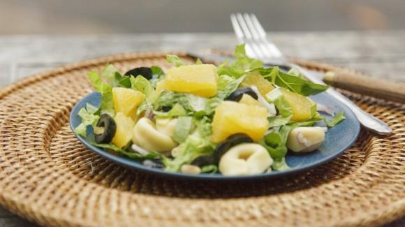 Mineola salade met bindsla en tortelini