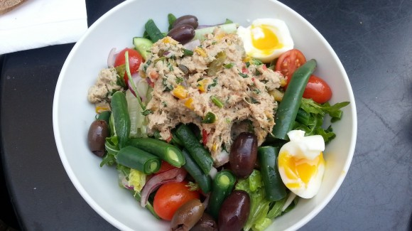 Tuna salad with potatoes, green beans and cucumbers