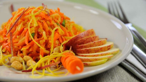 Carrot and apple salad with peanuts