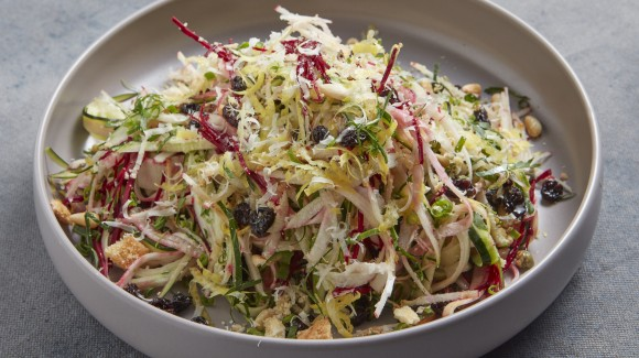 Zucchini and beetroot salad
