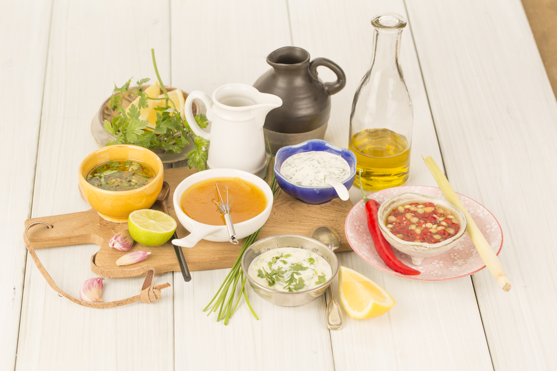 Hoe maak je zelf een goede dressing love my salad - Maak een dressing ...